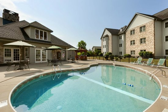 Homewood Suites Syracuse/Liverpool: Outdoor Pool