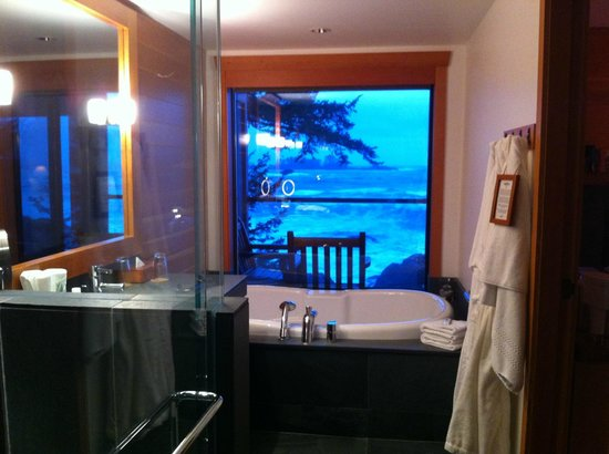 Wickaninnish Inn and The Pointe Restaurant:                   Soaker tub with view of the ocean
