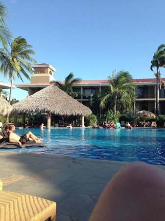 Flamingo Beach Resort & Spa :                   barpoolen :)