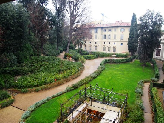 Four Seasons Hotel Firenze: beautiful garden