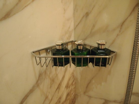 Four Seasons Hotel Firenze: bathroom amenities