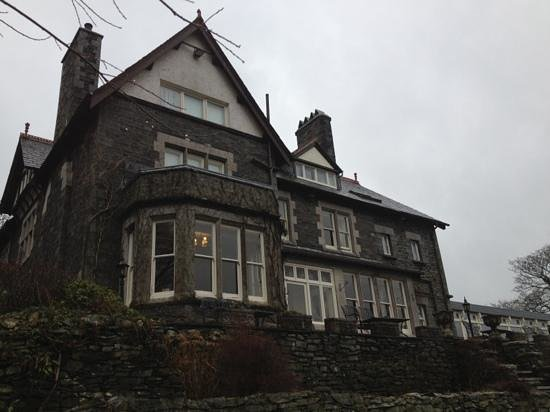 Sawrey House Hotel: front of the house
