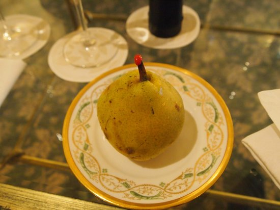 Four Seasons Hotel Firenze: delicate pear