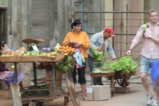 Old Havana: Entrepreneur's are selling produce on the streets