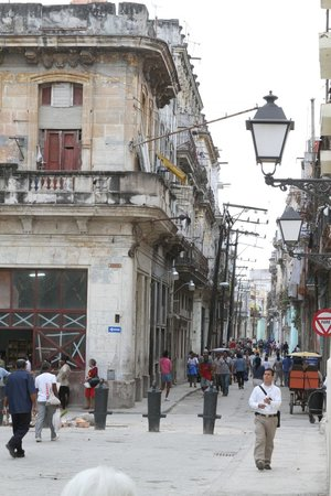 Old Havana: So much potential to preserve the old... pity