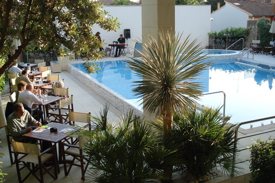 Hotel Byron: Aperitivo in piscina