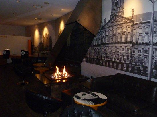 Inntel Hotels Amsterdam Centre: Il bar della hall