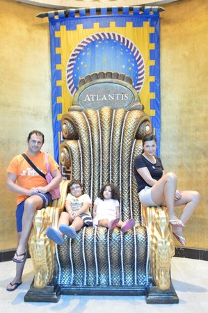 Atlantis, Royal Towers, Autograph Collection: il trono