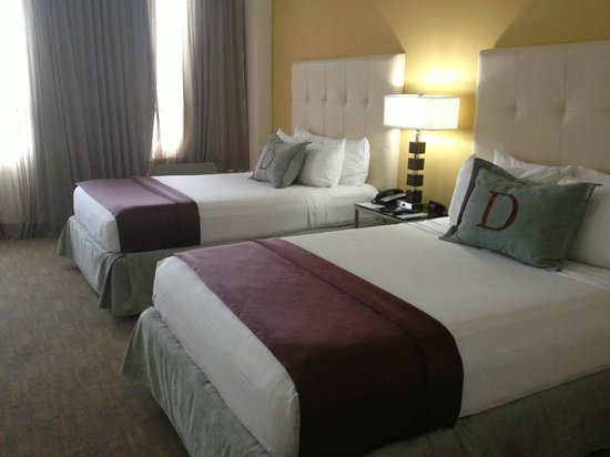 Deauville Beach Resort: beds