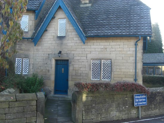 The Devonshire Arms at Beeley:                   Actual Cottage