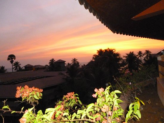 Uday Samudra Leisure Beach Hotel & Spa:                   Sunset from our balcony