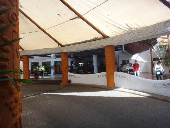 Southern Palms Beach Resort:                   Wejście główne