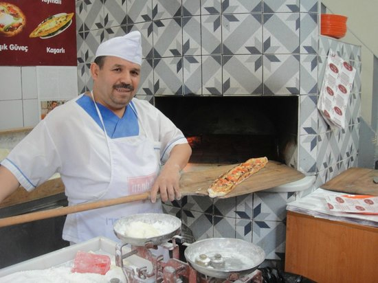 Culinary Backstreets -Tours: Best pide chef in Istanbul