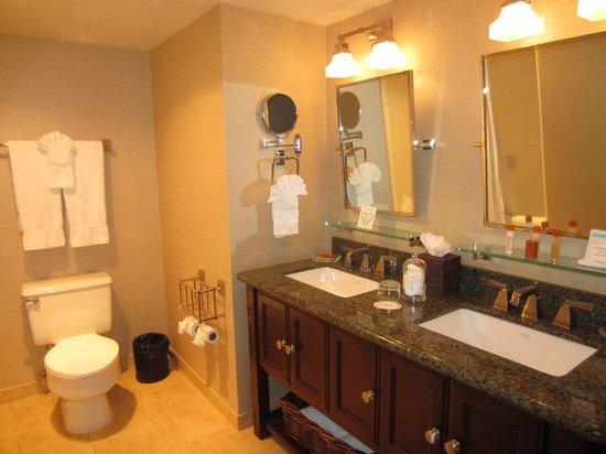 Cupertino Inn: Otra parte del lavabo