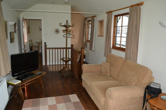 Toad Hall Guest House:                                     Sitting area
