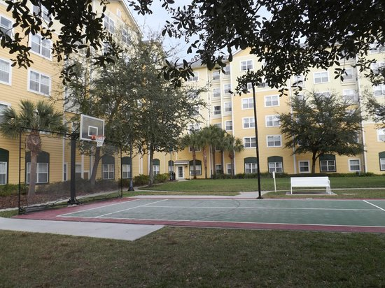 Residence Inn Orlando at SeaWorld®: Sport court
