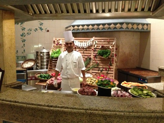 Kempinski Hotel Soma Bay:                                     Live cooking. Perfect!