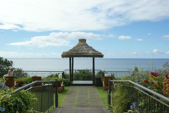 Suite Hotel Eden Mar:                   на территории