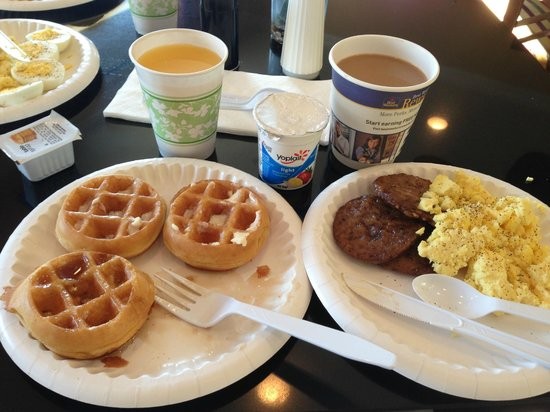 Best Western Plus Wilmington/Carolina Beach:                                     Hot Breakfast