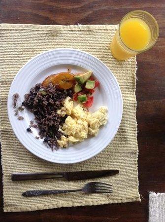Hotel Kokoro Arenal:                                     el rico desayuno