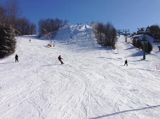 Hockley Valley Resort:                   skiing fun