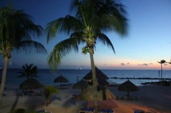 Curacao Marriott Beach Resort & Emerald Casino: Sunset view from room