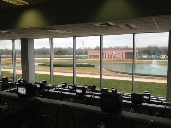 Gulf Greyhound Park: race time