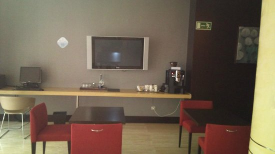 NH Madrid Lagasca:                   LOBBY HOTEL