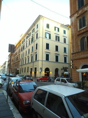 Crosti Hotel:                   Fachadas del Hotel