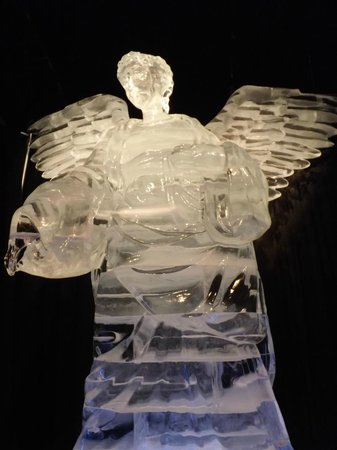 Gaylord Palms Resort & Convention Center: Angel from nativity scene, ICE! at Gaylord Palms