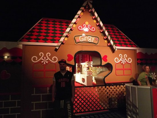 Gaylord Palms Resort & Convention Center: Gingy's Gingerbread House