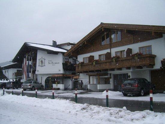 Hotel St. Florian:                   Nieuw gedeelte ernaast, van binnenuit verbonden