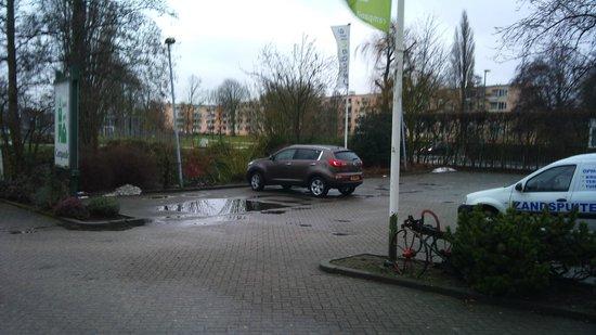 Campanile Hotel Vlaardingen:                   Parking Hotel