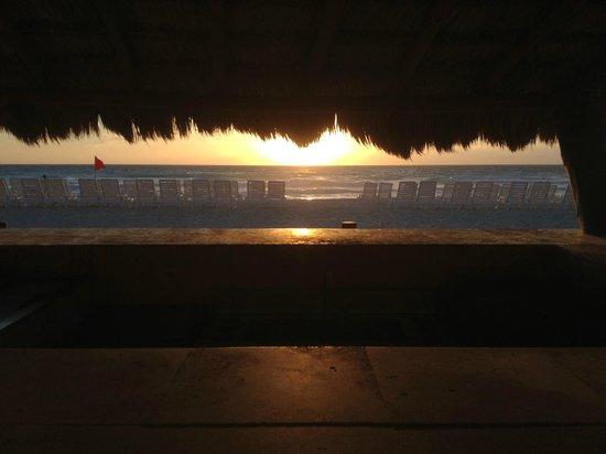 Fiesta Americana Condesa Cancun All Inclusive:                   Early morning view from the Beach Bar