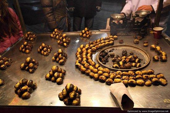 Sultanahmet-distriktet:                   Roast chestnuts