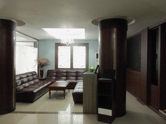 Hill House Hotel: Lobby