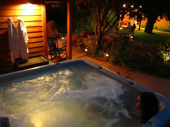 Relax in our clean hot tub - Picture of Cali Cochitta Bed ...