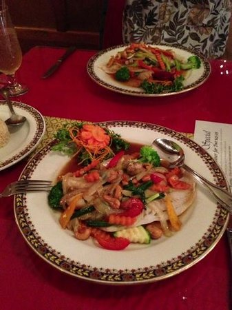 Chow Thai:                   steamed cod fish with cashew nuts