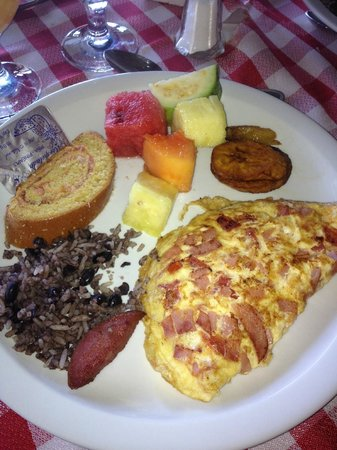 Villas Sol Hotel & Beach Resort:                   typical breakfast buffet items