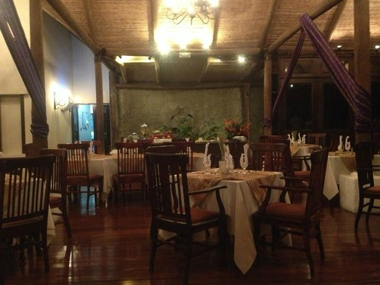 Villas Sol Hotel & Beach Resort:                   dining room