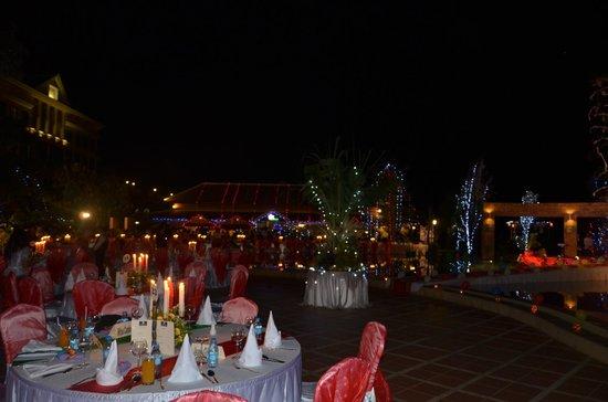 Pacific Hotel & Spa:                   Christmas decor