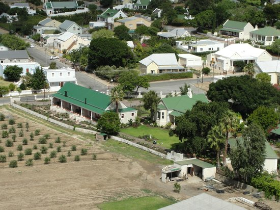 Montagu Vines Guesthouse:                   View from hill, overlooking Montagu Vines.