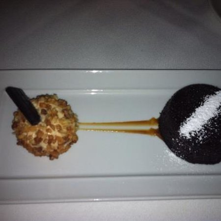 Brasserie Ruhlmann:                   chocolat pudding w caramel chantilly