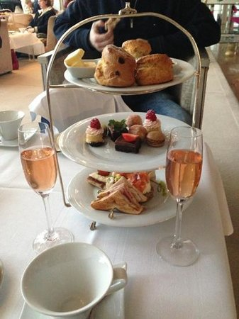 the g Hotel & Spa Galway: afternoon tea at The G