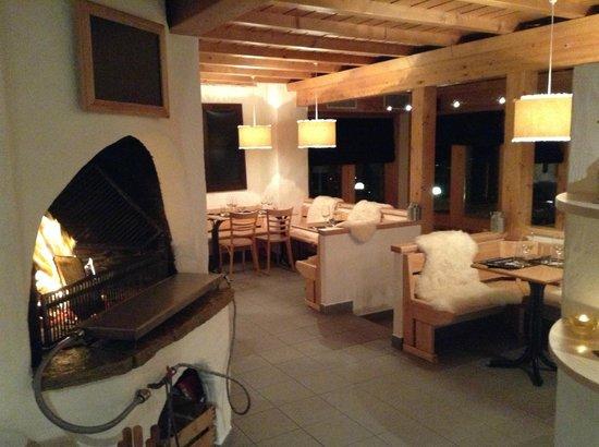 Restaurant Le Sonalon : La salle intérieure