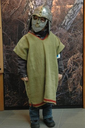Sutton Hoo: Kids having fun dressing up medieval style