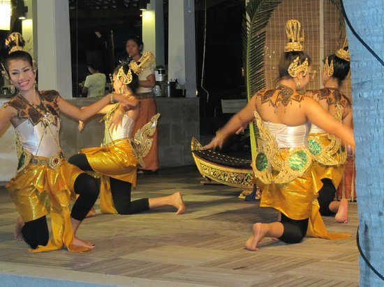 Centara Villas Samui : ENTERTAINMENT AT THE CENTARA VILLAS