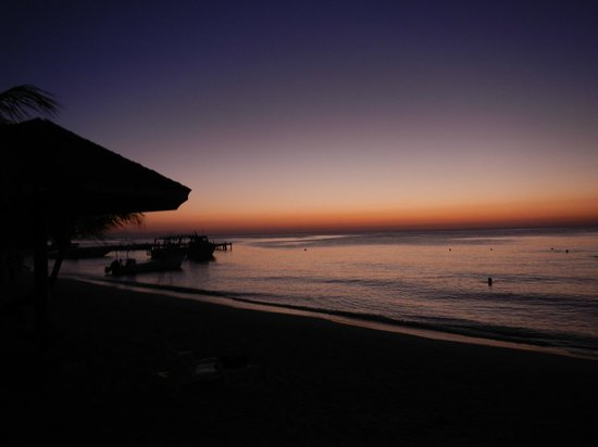 Paradise Beach Hotel照片