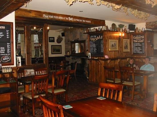 Star Inn:                   The Lounge