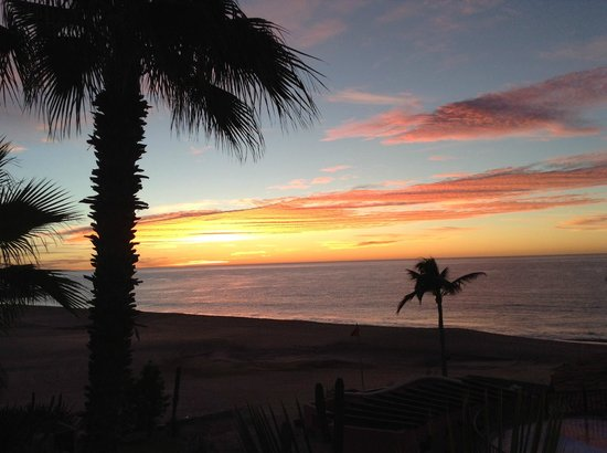 Sheraton Hacienda del Mar Golf & Spa Resort Los Cabos:                   Sunrise view from our room.